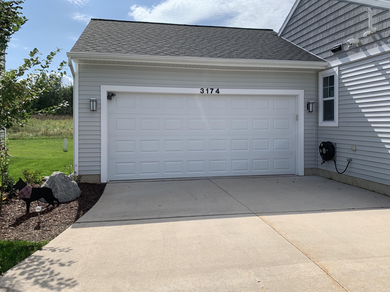 3174 Hamlet Cir - Attached garage - 26