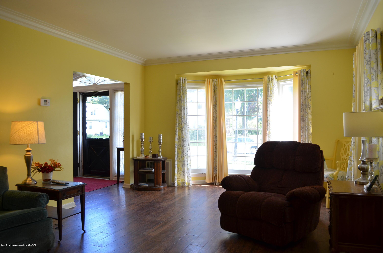 615 Bailey St - Living Room - 5