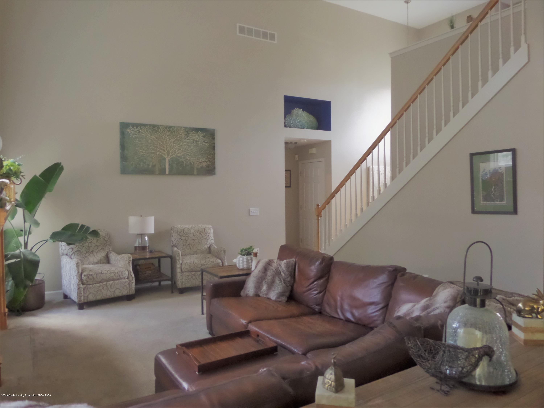5332 Burcham Dr - Living Room - 5