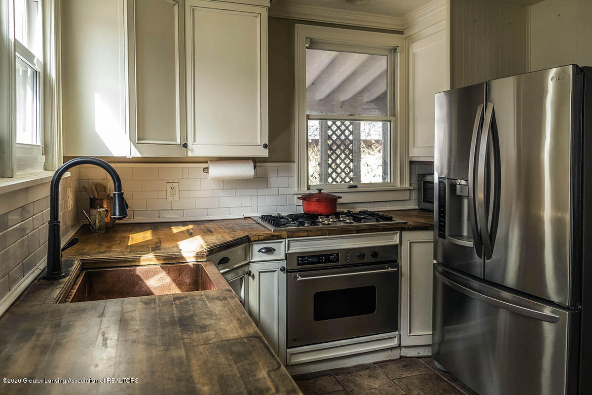 904 E Michigan Ave - 14-Kitchen - 15