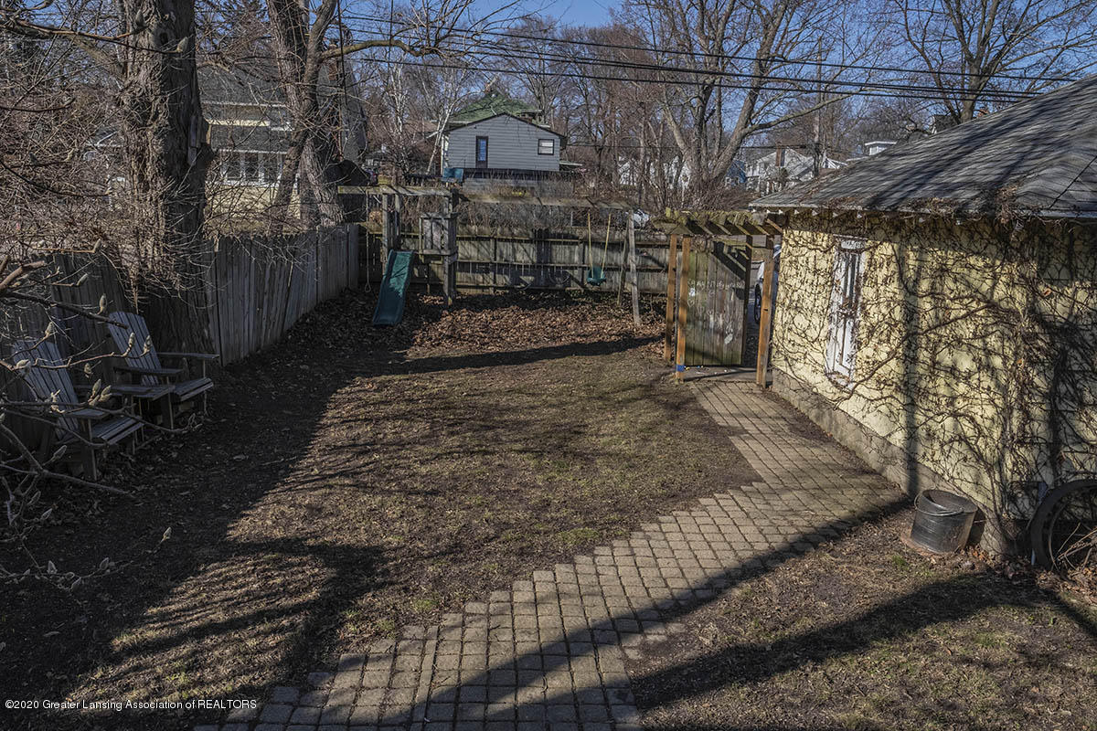904 E Michigan Ave - 30-Back-Yard - 36