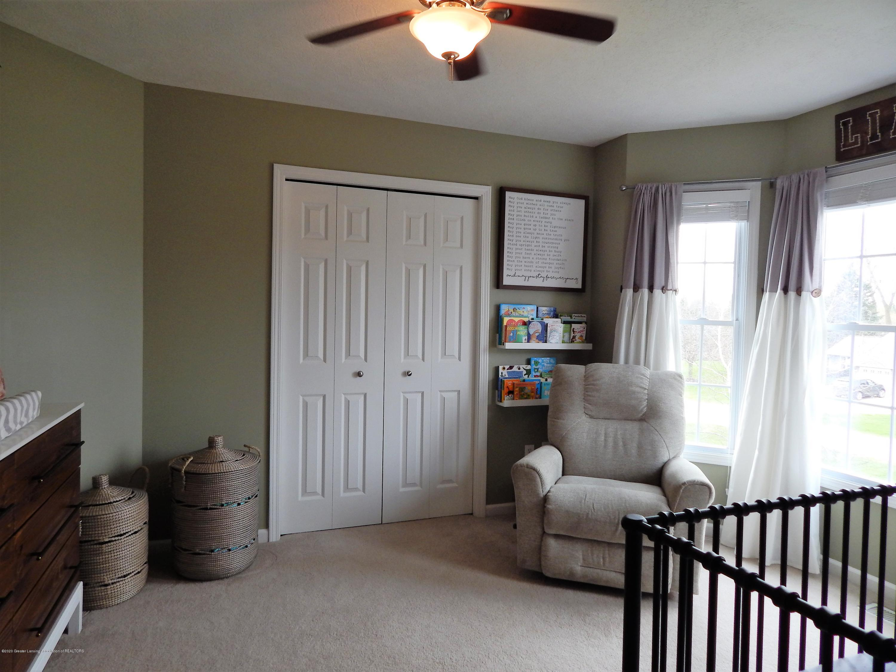 9481 Lookout Point Dr - Bedroom - 23