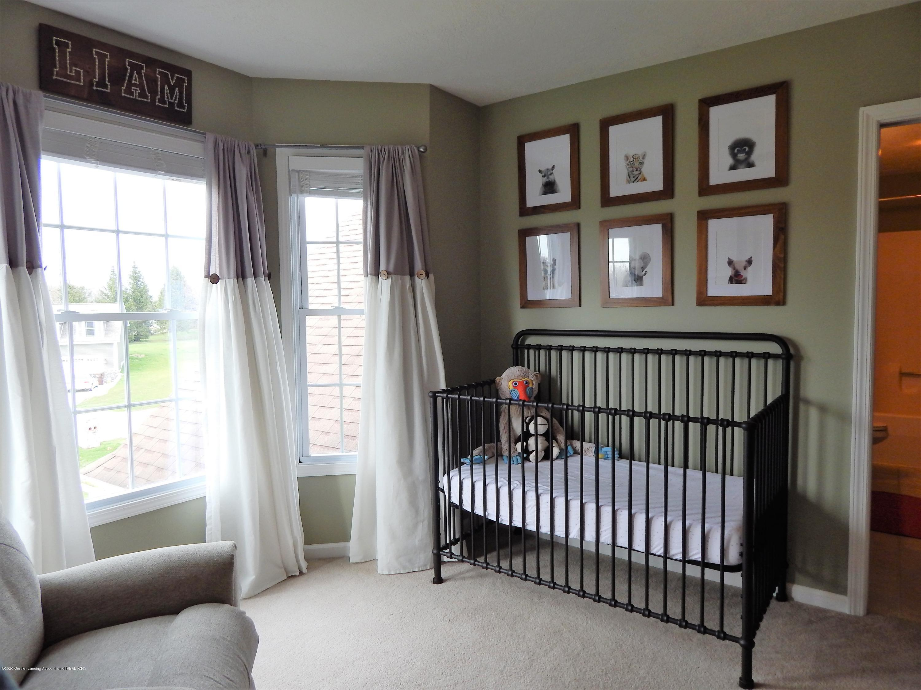 9481 Lookout Point Dr - Bedroom - 19