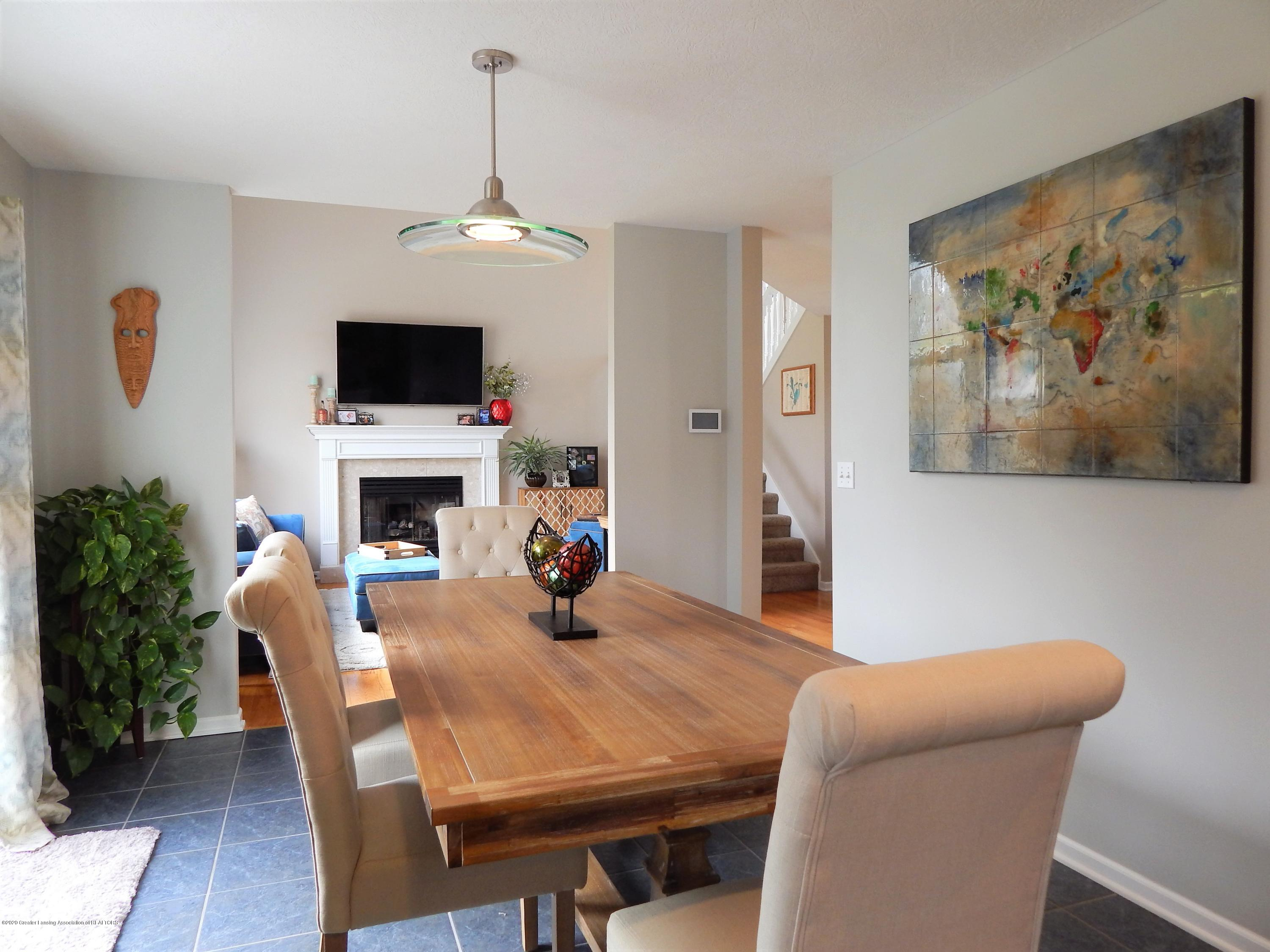 9481 Lookout Point Dr - Dining Room - 11