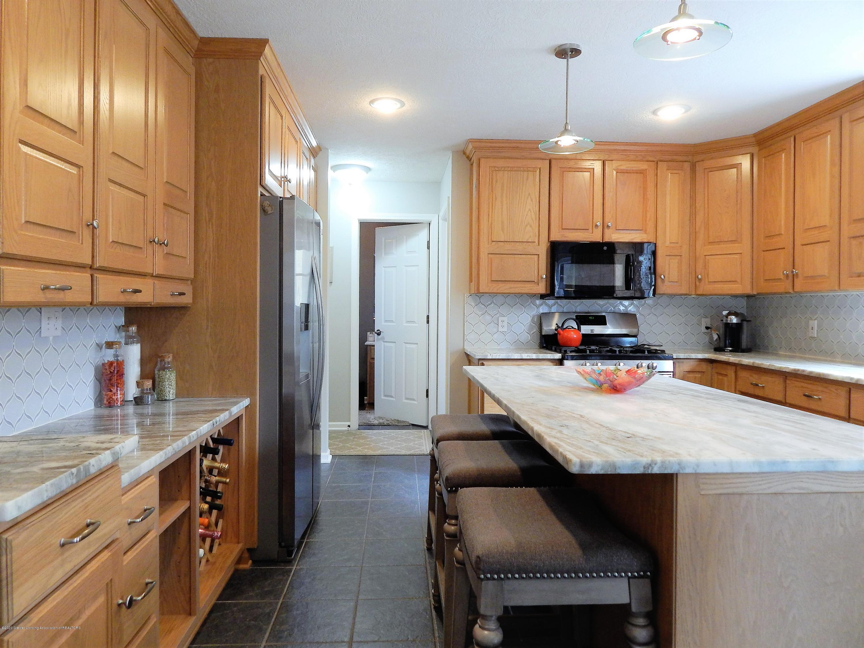 9481 Lookout Point Dr - Kitchen - 8