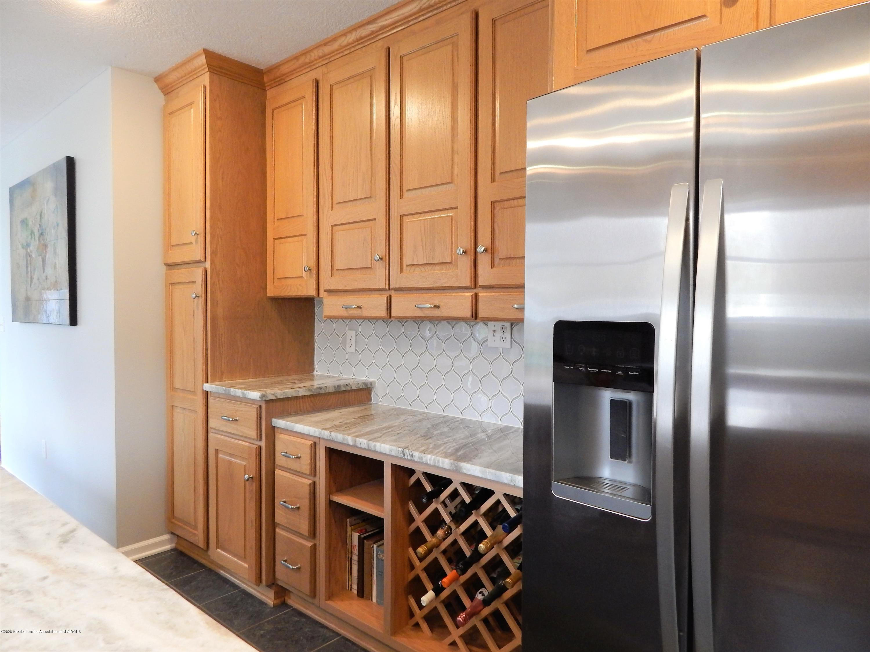 9481 Lookout Point Dr - Kitchen - 6