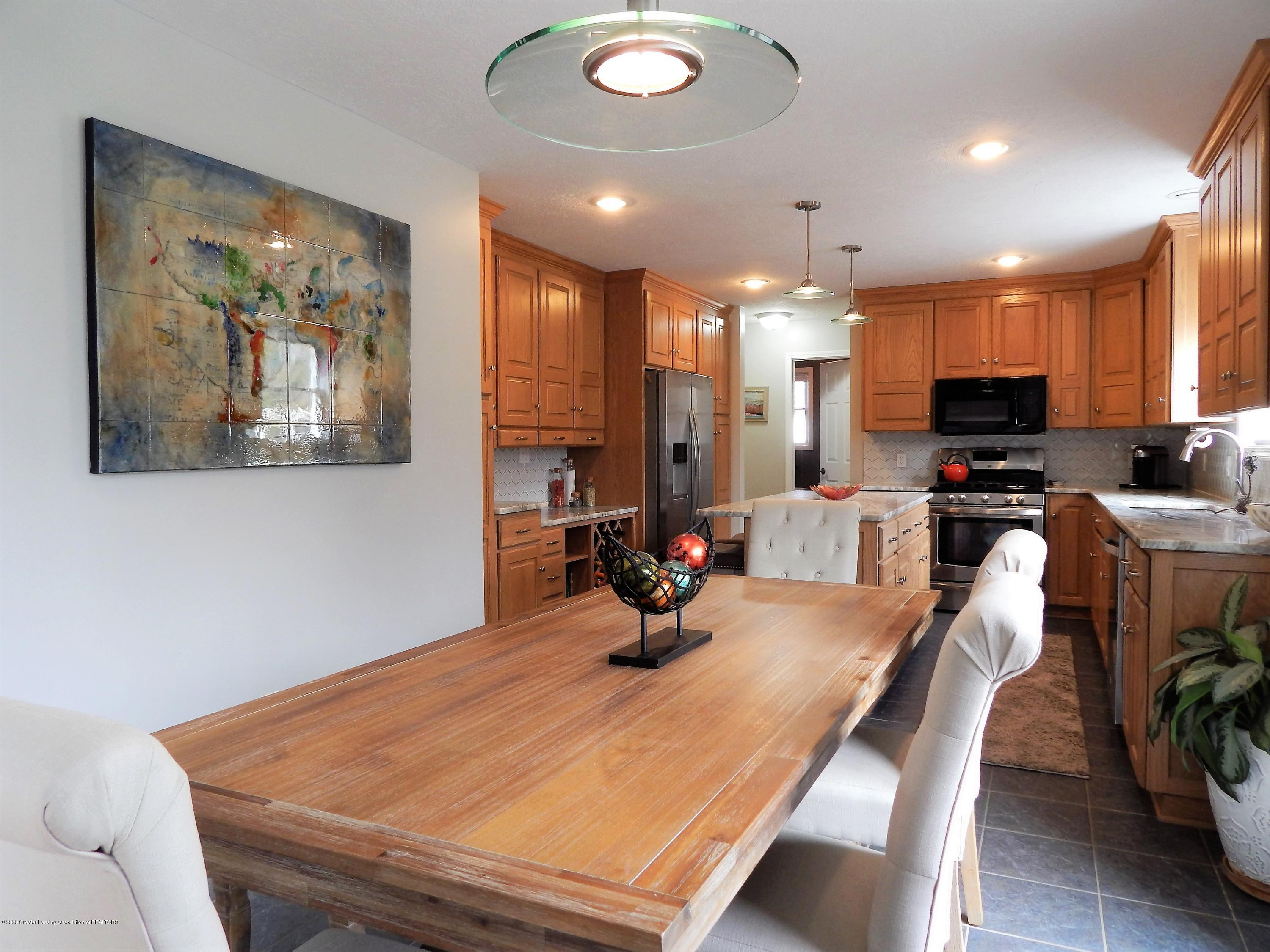 9481 Lookout Point Dr - Dining Room - 9