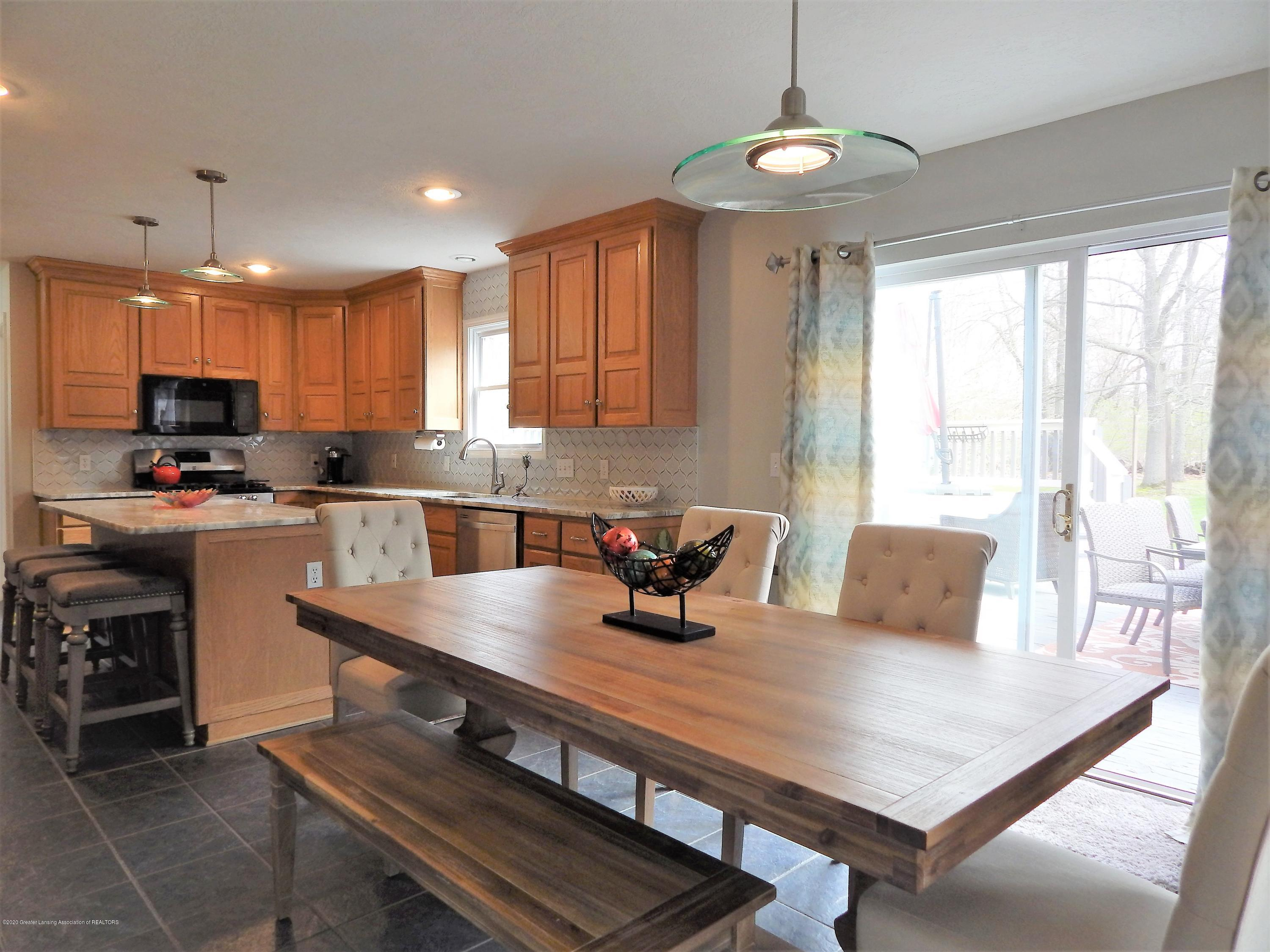 9481 Lookout Point Dr - Dining Room - 10