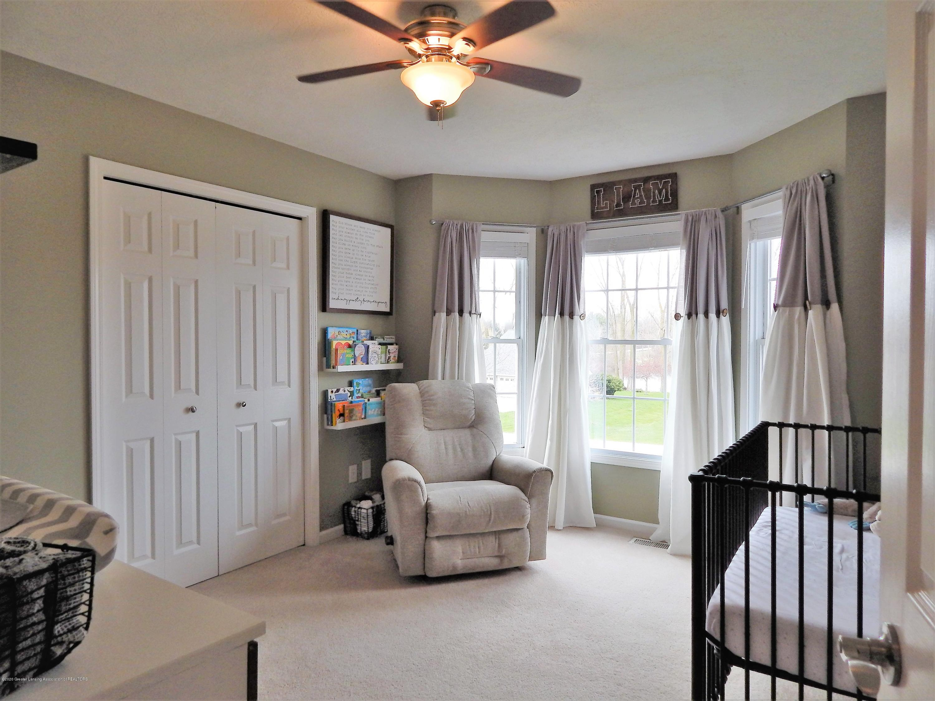 9481 Lookout Point Dr - Bedroom - 18