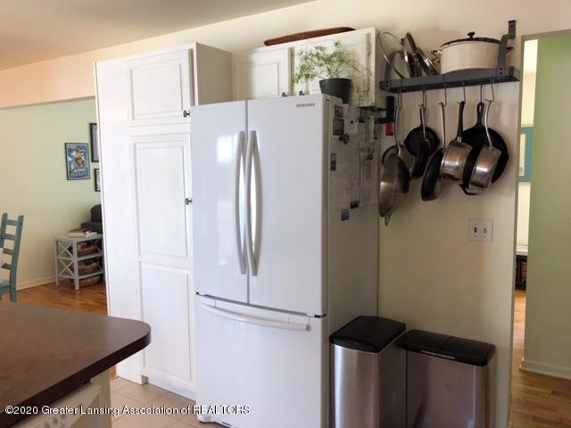 1667 Melrose Ave - Kitchen - 11