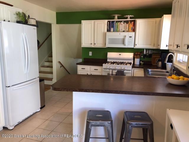 1667 Melrose Ave - Kitchen - 10