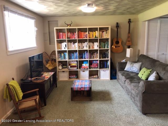 1667 Melrose Ave - Rec Room - 22