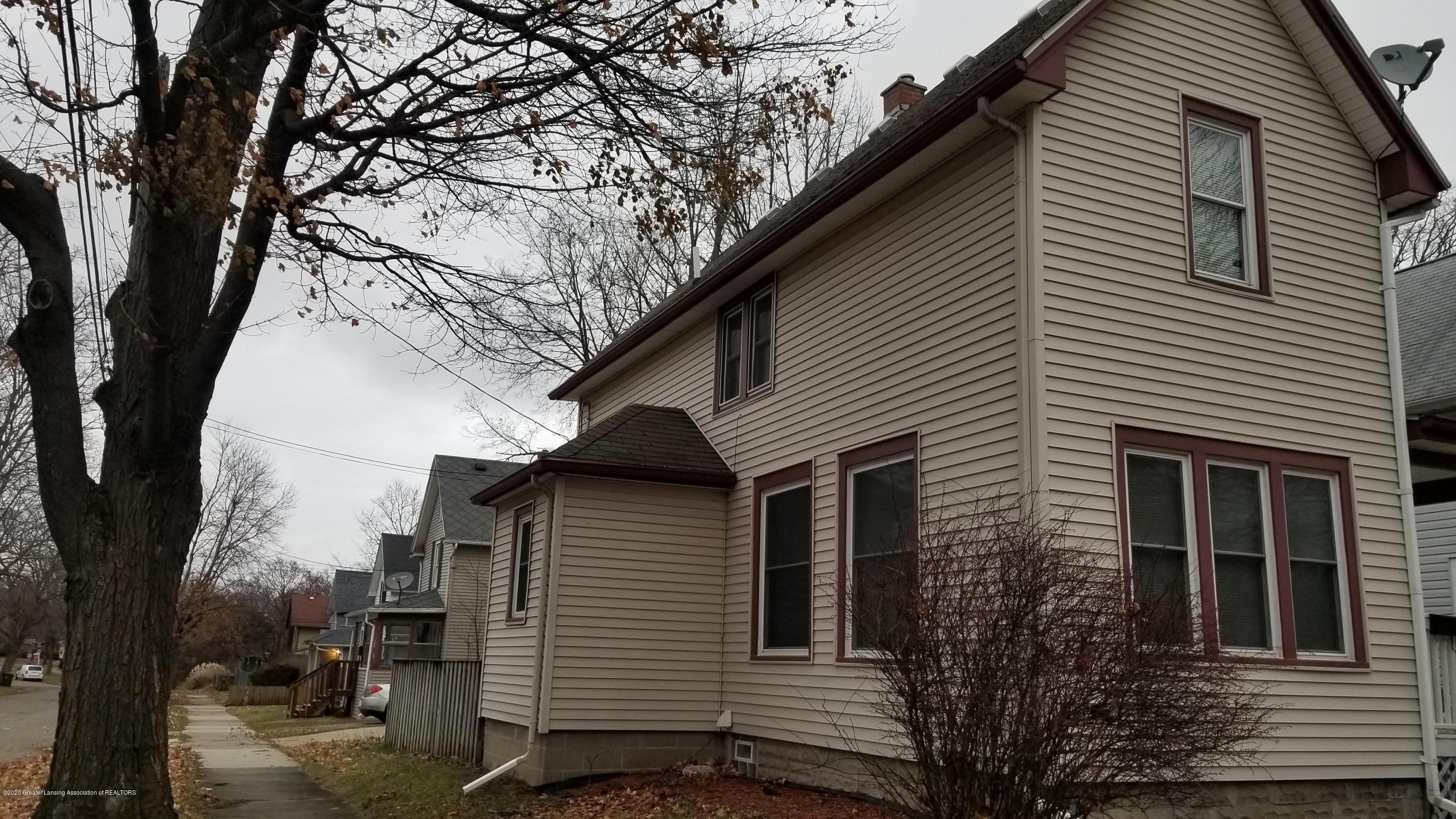1222 W Ionia St - Side View - 2