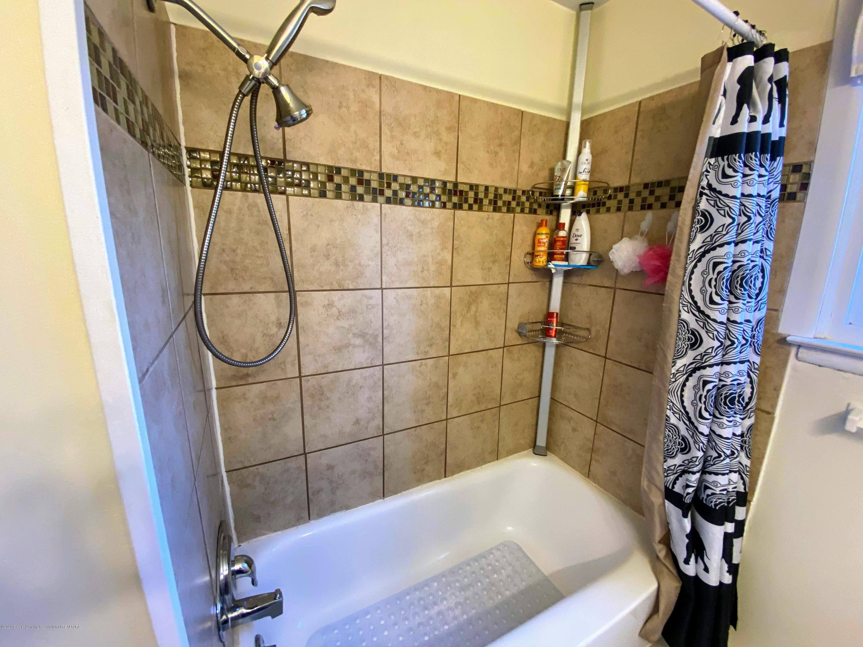 2703 Groesbeck Ave - Bathroom - 11