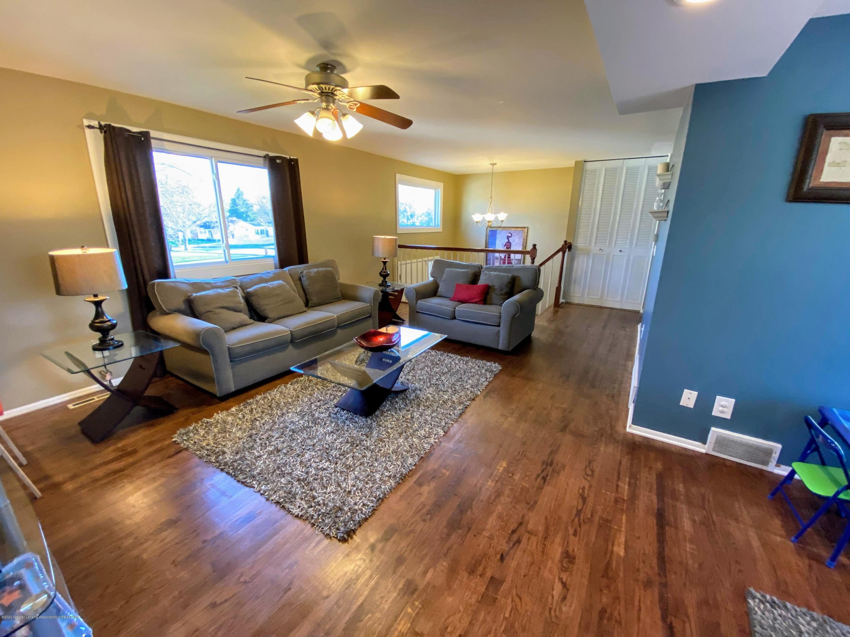 2703 Groesbeck Ave - Living Room - 3