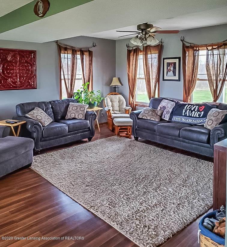 5800 W Chadwick Rd - Living Room - 5