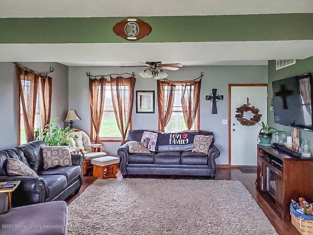 5800 W Chadwick Rd - Living Room - 4
