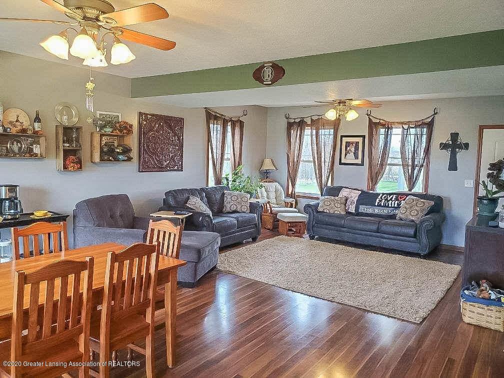 5800 W Chadwick Rd - Dining / Living Room - 6
