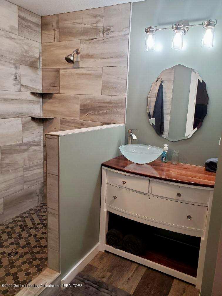 5800 W Chadwick Rd - Master Bath - 16