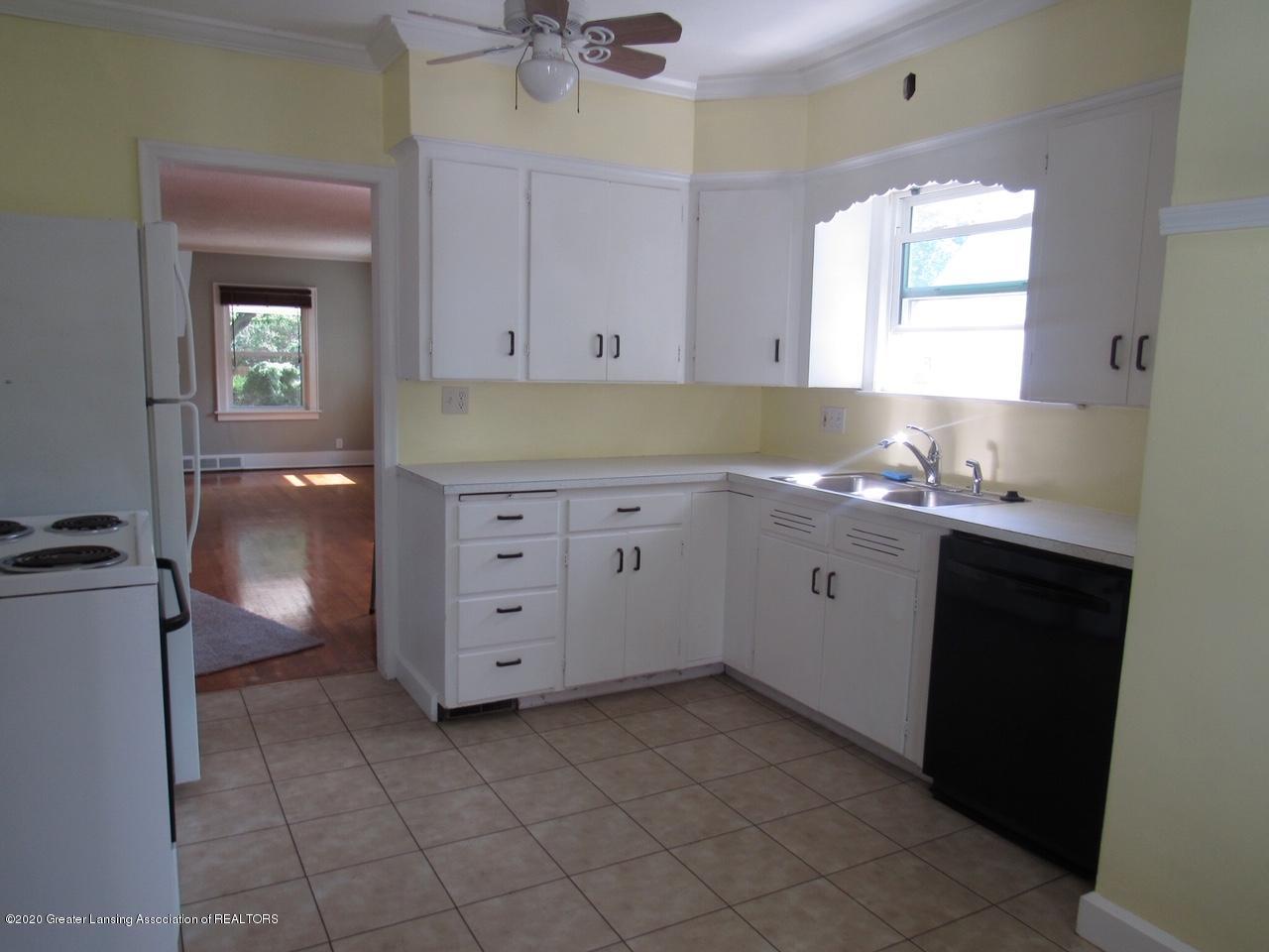 817 Durant St - Kitchen - 7