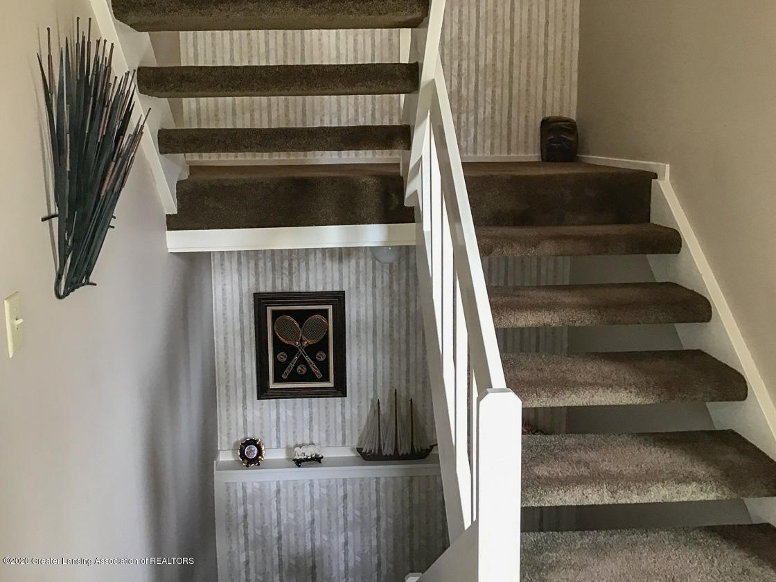 3731 Cavalier Dr - stairs - 4