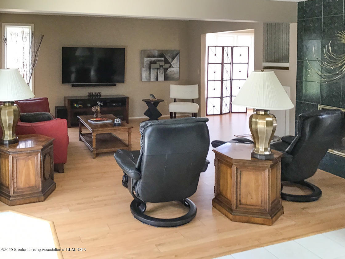 3731 Cavalier Dr - living room - 9