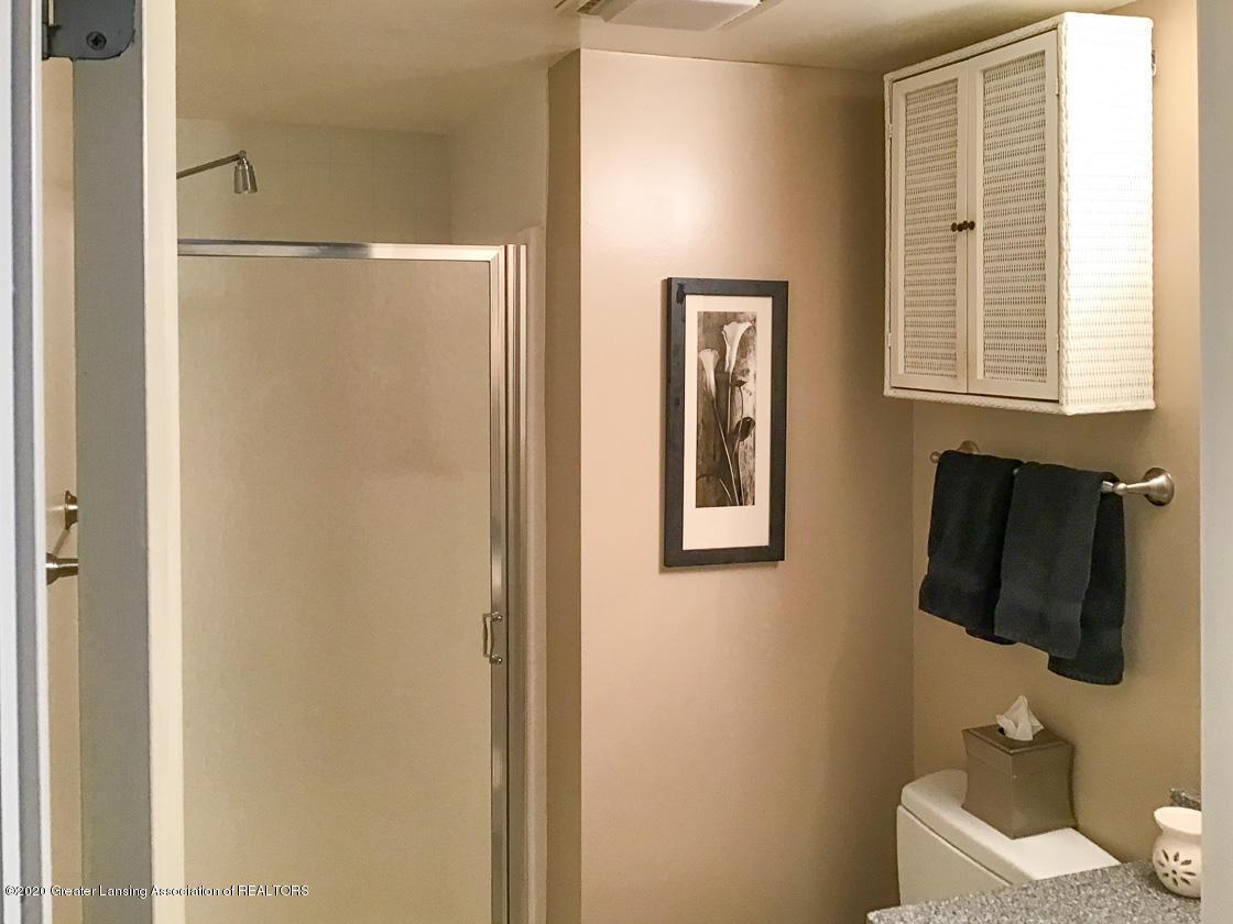 3731 Cavalier Dr - 1st floor bath 2 - 15