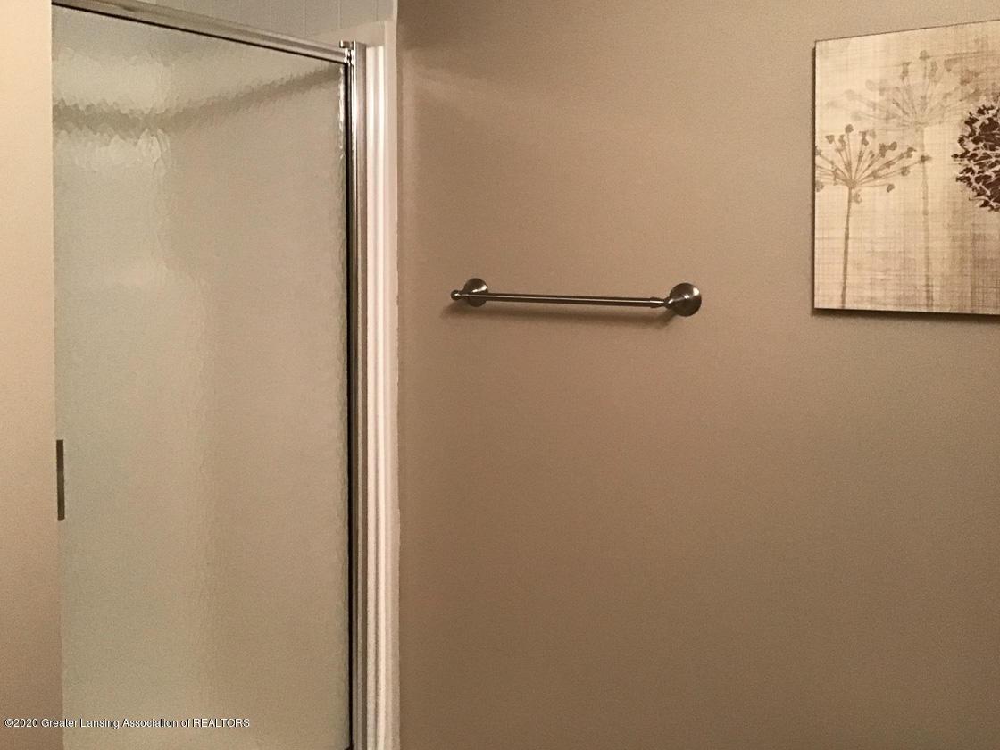 3731 Cavalier Dr - lower level shower - 26