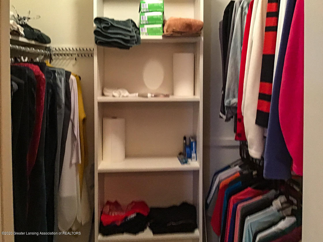 3731 Cavalier Dr - master closet - 19