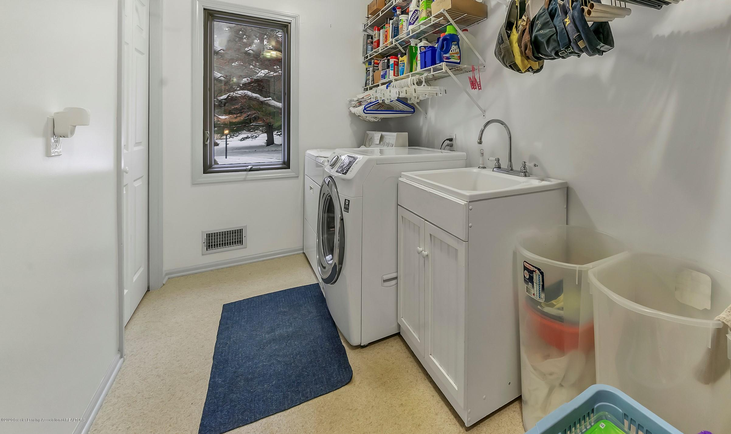 248 E Newman Rd - 1st floor laundry - 23