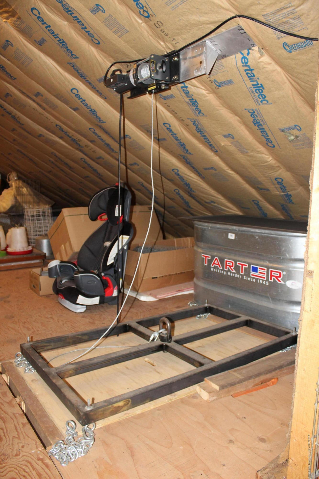 248 E Newman Rd - Elec Lift to attic - 35