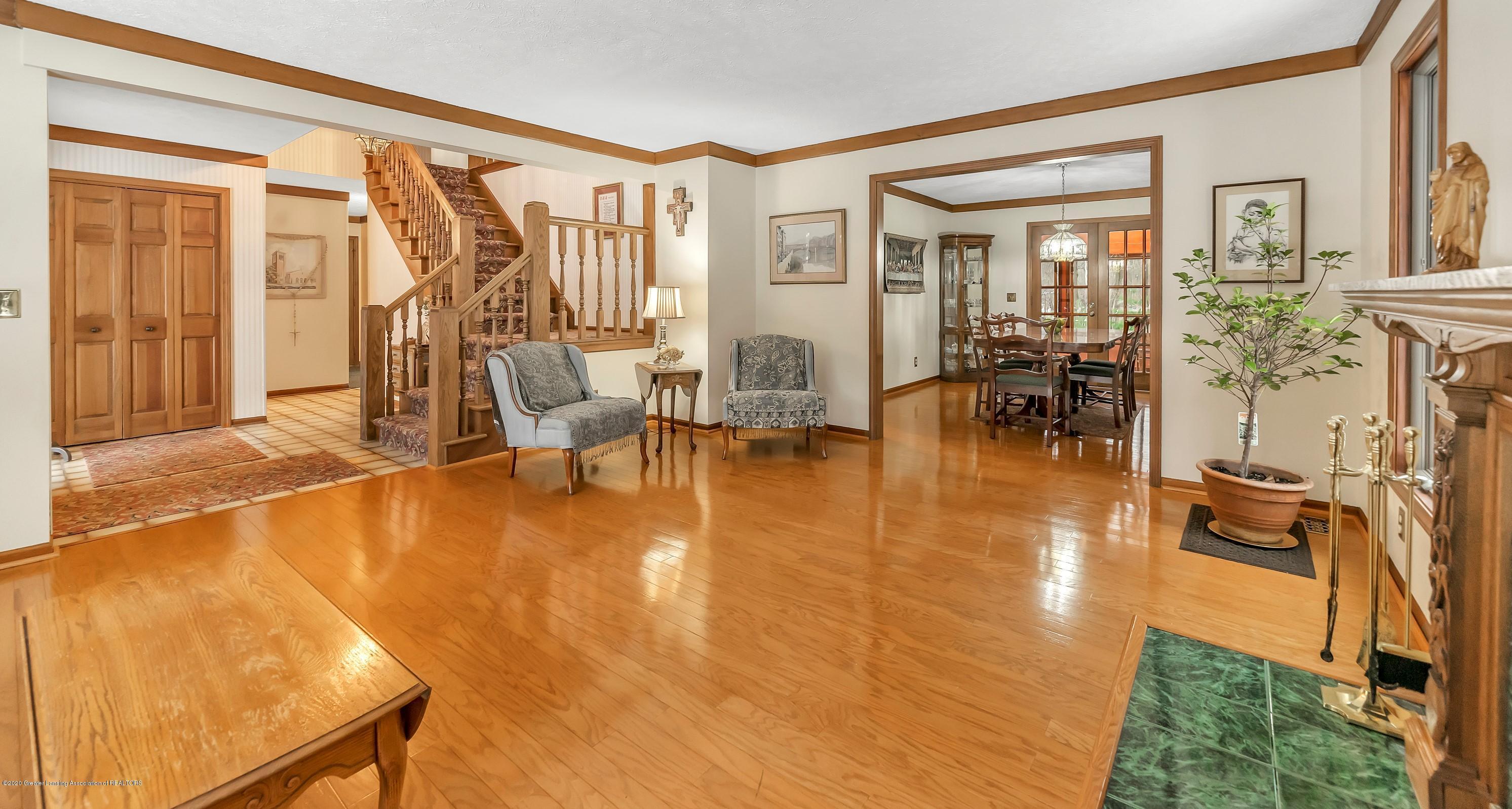 248 E Newman Rd - living room - 15