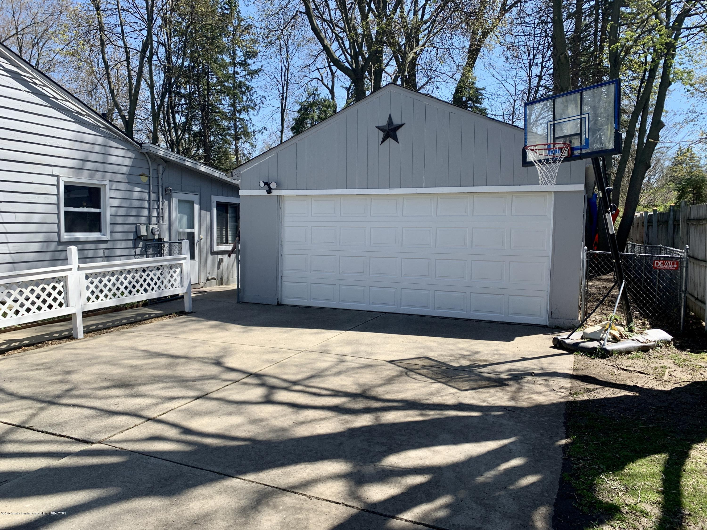 1626 Ann St - Over sized 2.5 car garage - 2