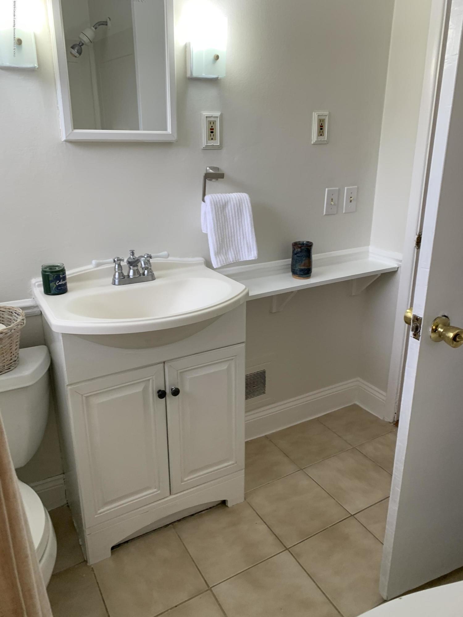 1626 Ann St - Bathroom - 16