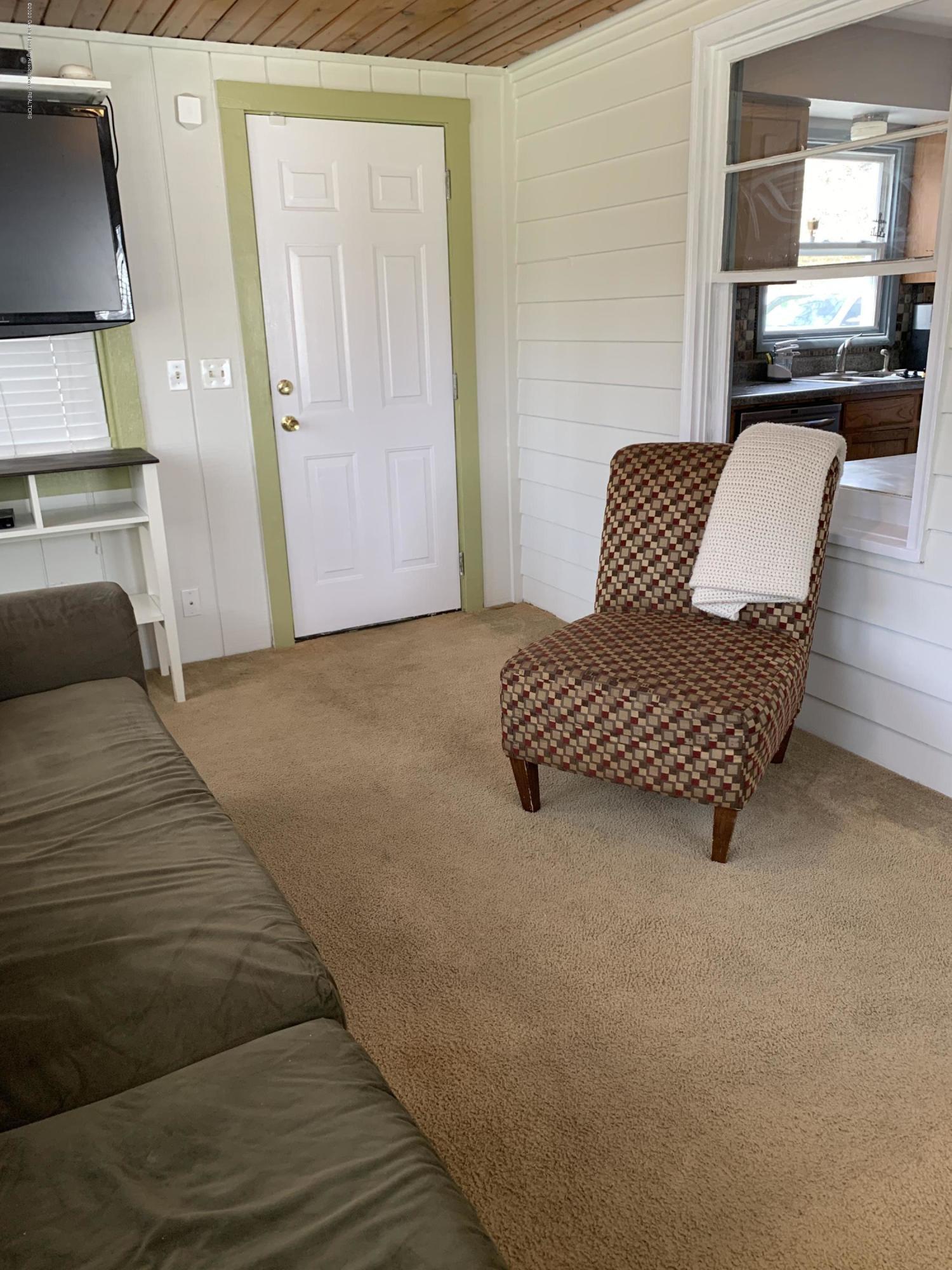 1626 Ann St - Family room - 10