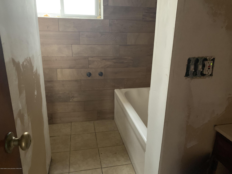 10008 W Holt Hwy - Bathroom - 13