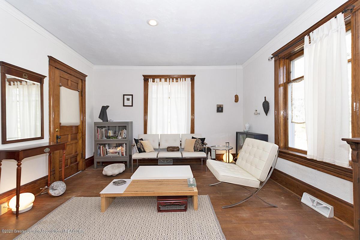 861 S Barnes St - LIVING ROOM - 14