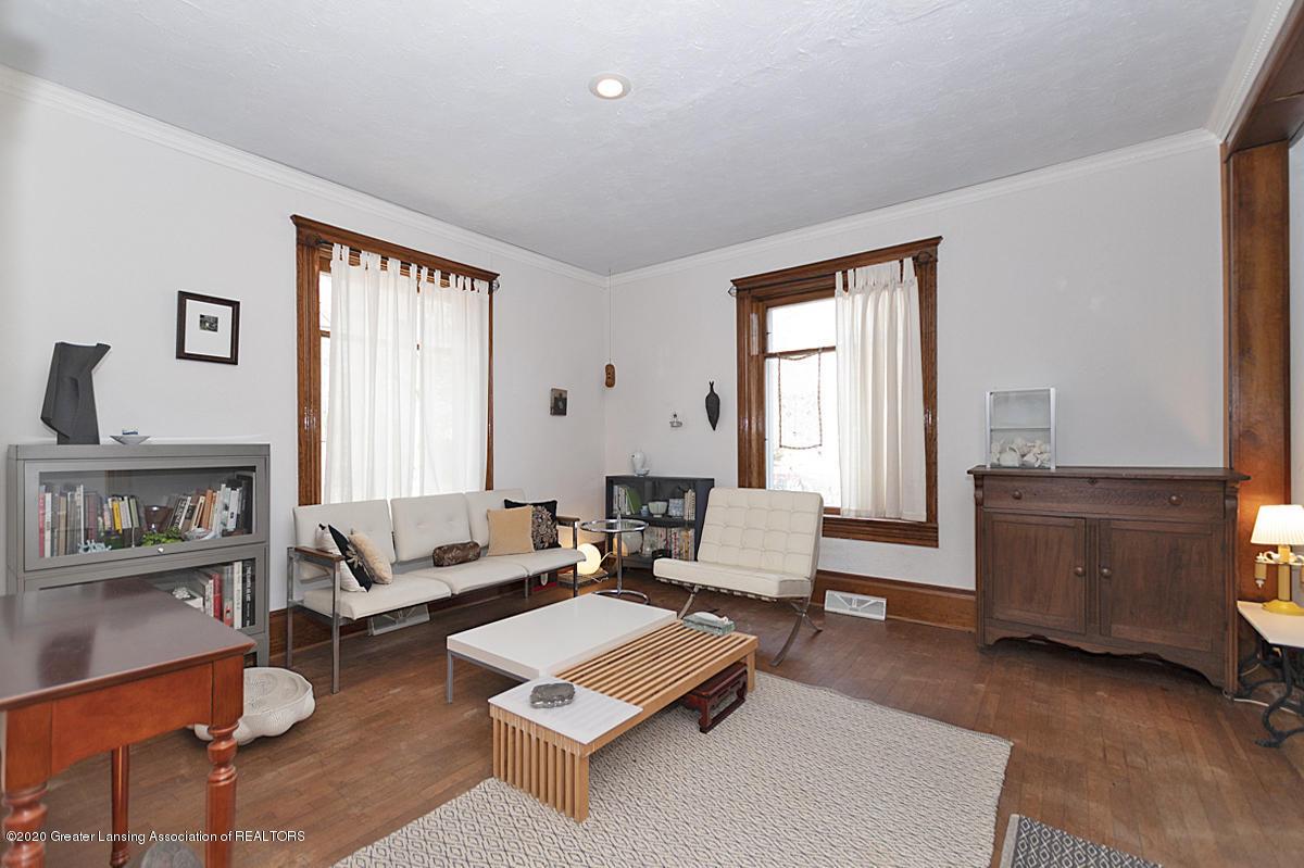 861 S Barnes St - LIVING ROOM - 12