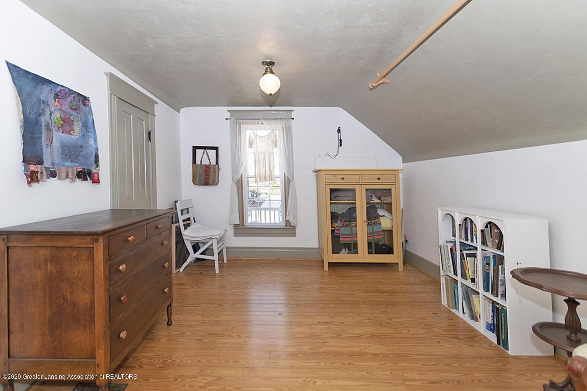 861 S Barnes St - BEDROOM - 18