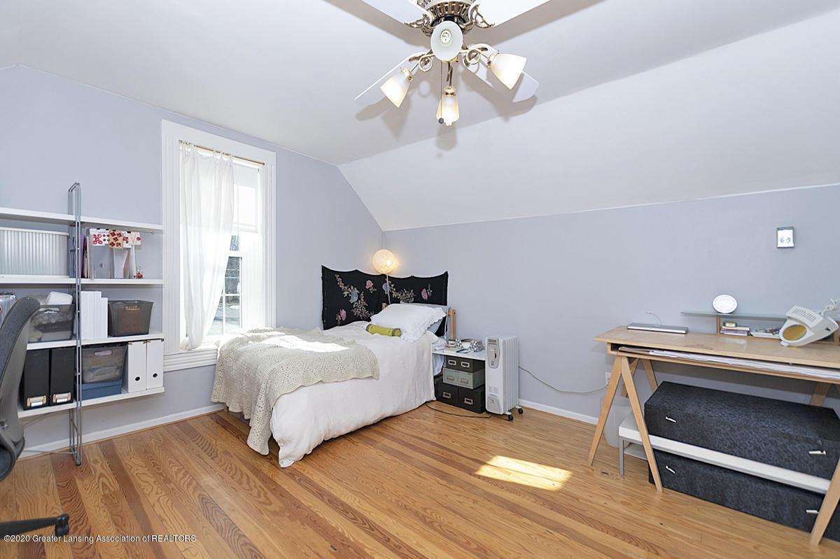 861 S Barnes St - BEDROOM - 20