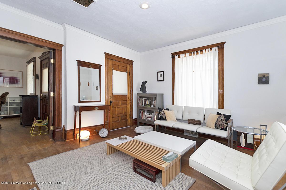 861 S Barnes St - LIVING ROOM - 15