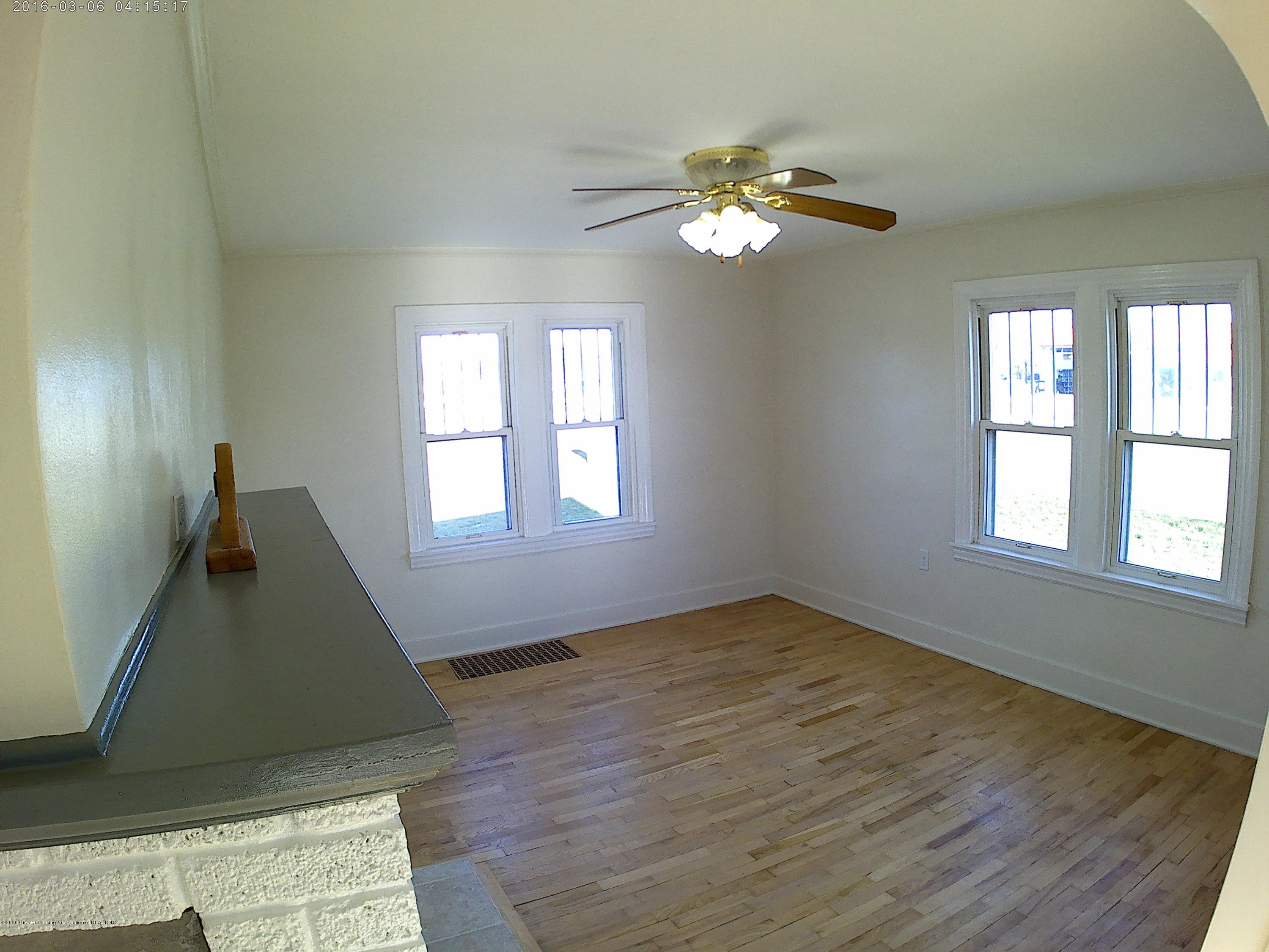 336 S Waverly Rd - Linving Room - 7