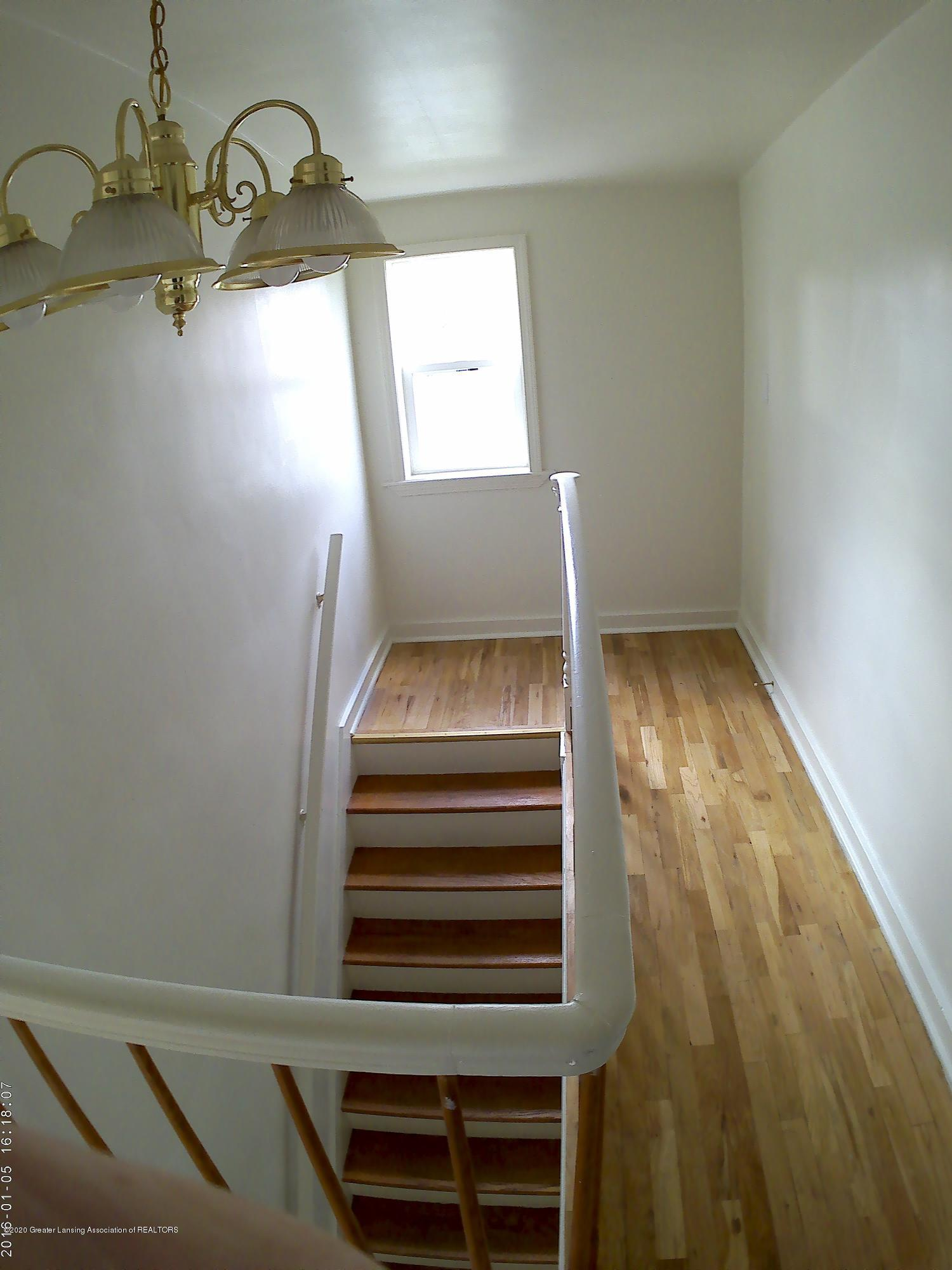 336 S Waverly Rd - Stair Way - 16