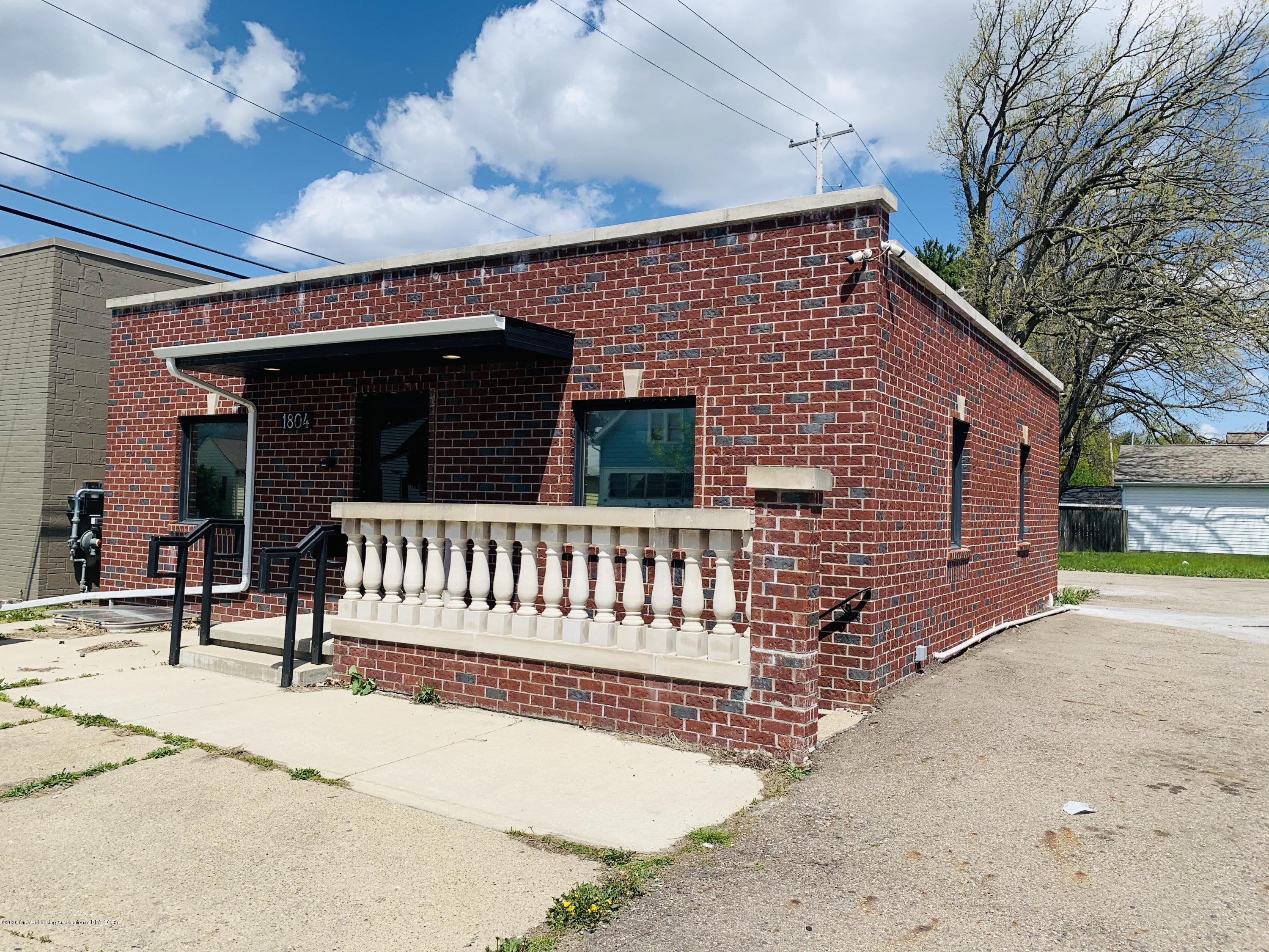 1804 W Saginaw St - Open for Business - 1