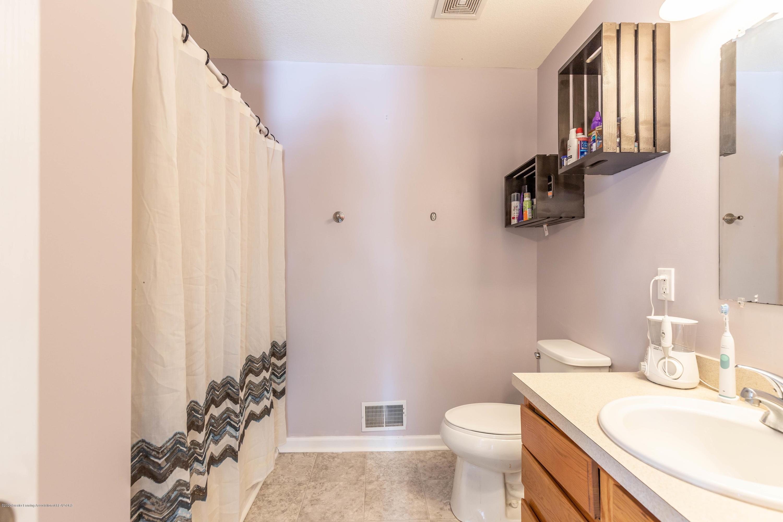 5051 Glendurgan Ct - Master Bathroom - 13