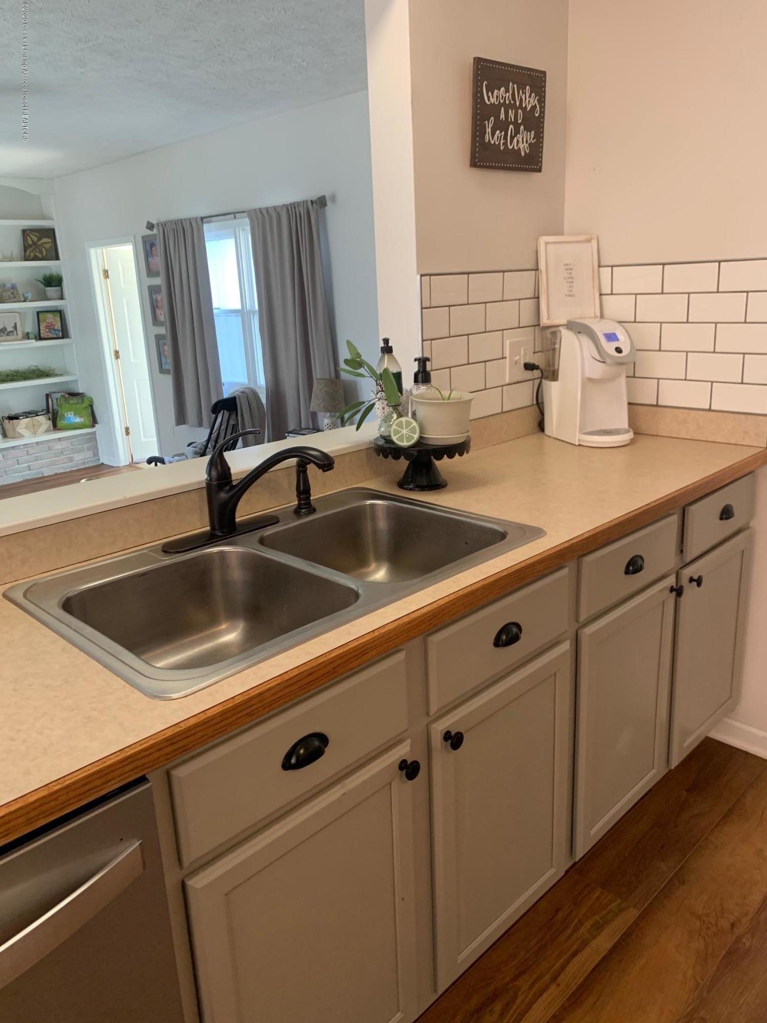 2096 S Perkey Rd - Kitchen - 9