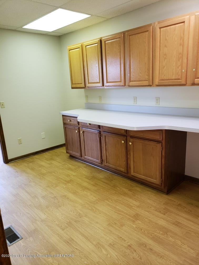 2487 S Michigan Rd Unit E - Kitchenette - 5