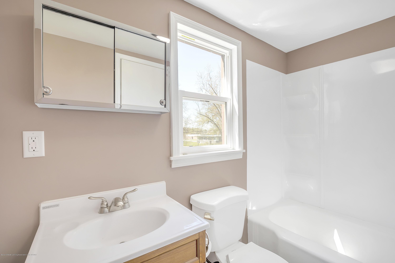 122 N Deerfield Ave - Bathroom - 10