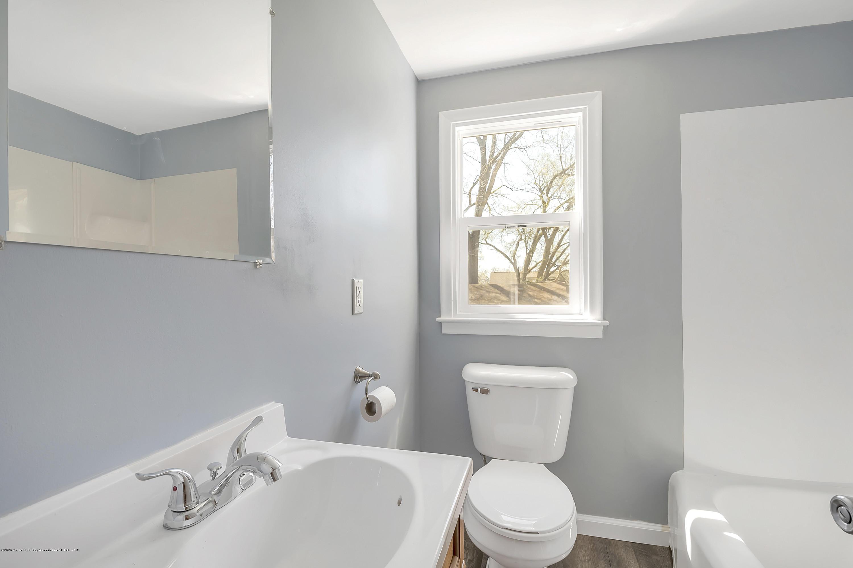 122 N Deerfield Ave - Bathroom - 11