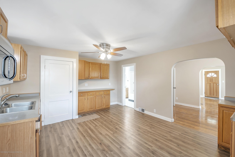 122 N Deerfield Ave - Kitchen - 16